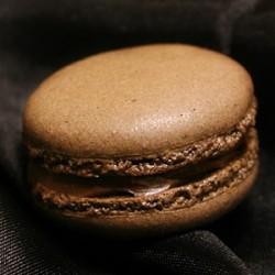 チョコレートのマカロン・サムネイル