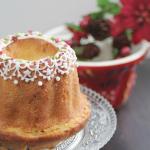 クグロフ型でケーキ