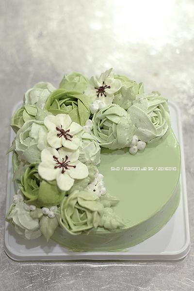 フラワーケーキ フラワーリース風 お花絞り クリーム 抹茶ムース デザインケーキ オーダーメイドケーキ 佐渡