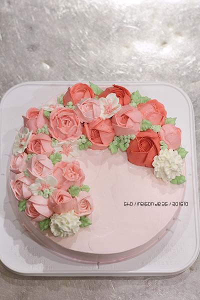 フラワーケーキ フラワーリース風 お花絞り クリーム ブラックベリー ミュール ムース デザインケーキ オーダーメイドケーキ 佐渡