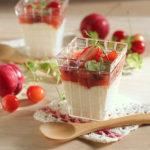 赤いフルーツとミルクプリン