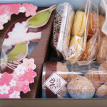 春な菓子箱